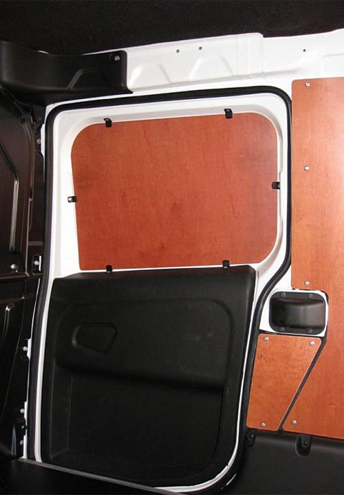 Обшивка фургона Fiat Doblo Cargo L1H1: Боковая дверь и стены