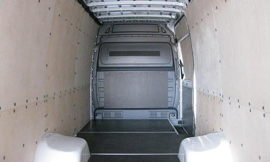 Обшивка фургона Mercedes-Benz Sprinter L4H2: Боковая дверь, стены и пол