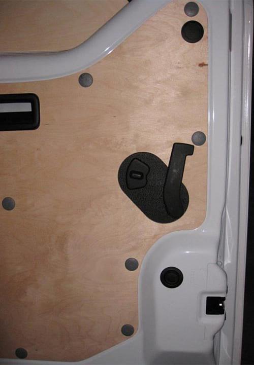 Обшивка фургона Renault Master L2H2: Дверь