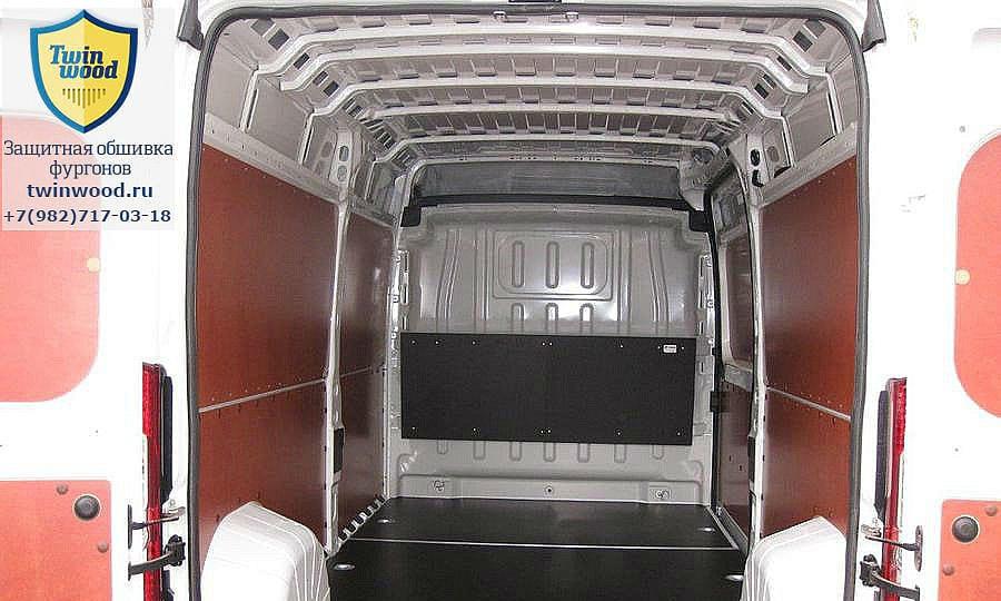 Обшивка фургона Citroen Jumper L3H3: Двери, пол, стены и перегородка за водителем