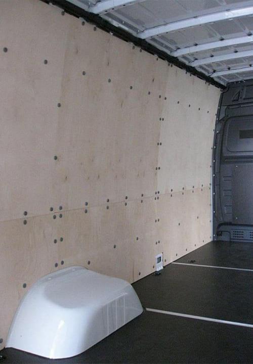 Обшивка фургона Mercedes-Benz Sprinter L4H2: Левая стена и пол
