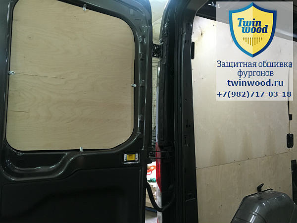 Обшивка стен и дверей Ford Transit