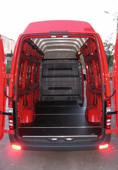 Обшивка фургона Mercedes-Benz Sprinter L3H3: Подготовка к установке обшивки стен