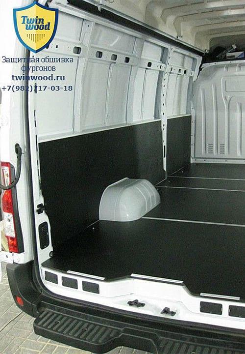 Обшивка фургона Renault Master L4H3: Пол и стена