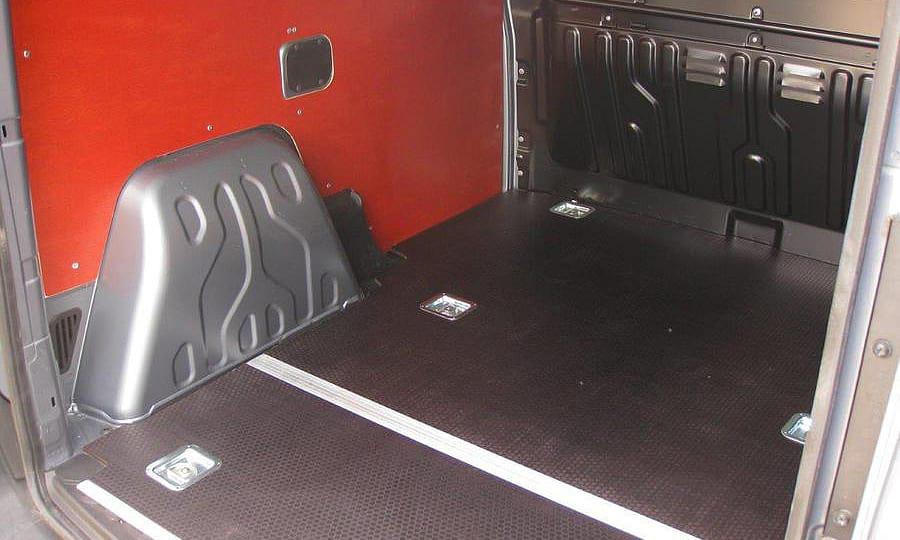 Обшивка фургона Fiat Doblo Cargo L1H1: Пол и стены