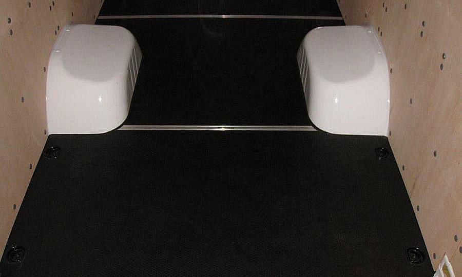 Обшивка фургона Mercedes-Benz Sprinter L4H2: Пол и стены