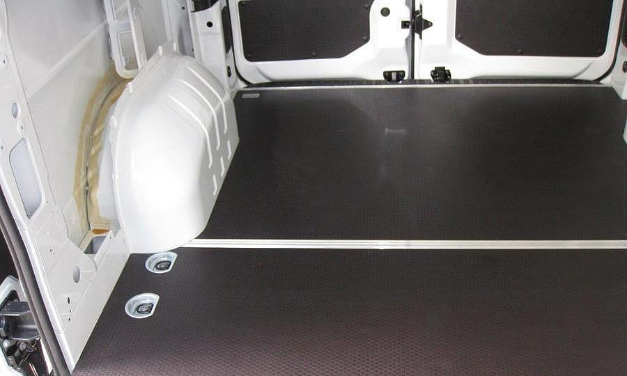 Обшивка фургона Renault Master L2H2: Пол и задние двери