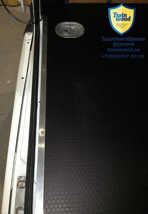 Обшивка фургона ГАЗ 2752 Соболь L1H1: Пол с такелажным кольцом