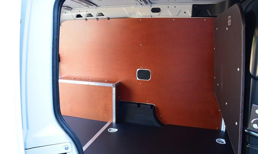 Обшивка фургона Fiat Doblo Cargo L1H1: Пол, стены, арки и перегородка