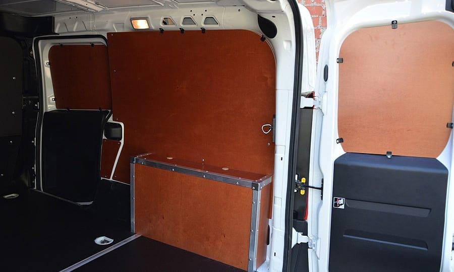 Обшивка фургона Fiat Doblo Cargo L1H1: Пол, стены, двери и арки