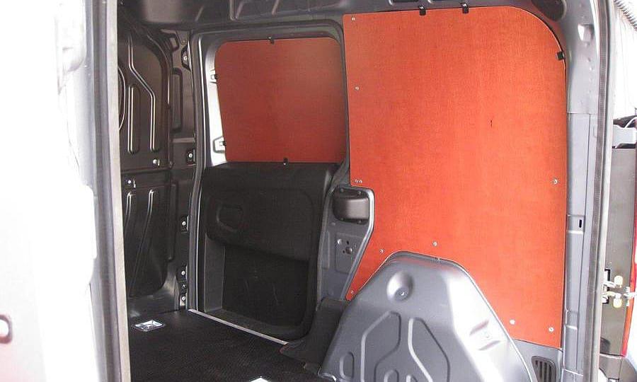 Обшивка фургона Fiat Doblo Cargo L1H1: Пол, стены и боковая дверь