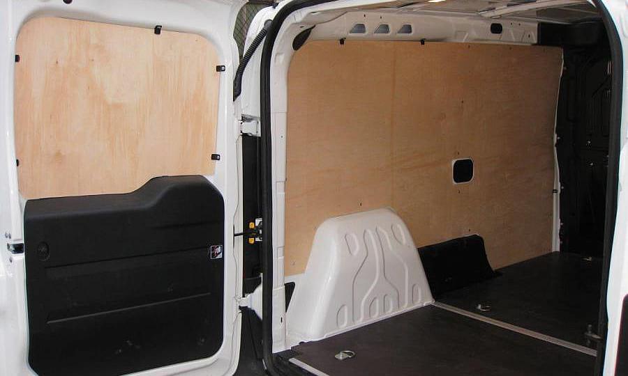 Обшивка фургона Fiat Doblo Cargo L1H1: Пол, стены и двери