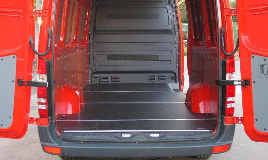Обшивка фургона Mercedes-Benz Sprinter L3H3: Пол, стены и задние двери