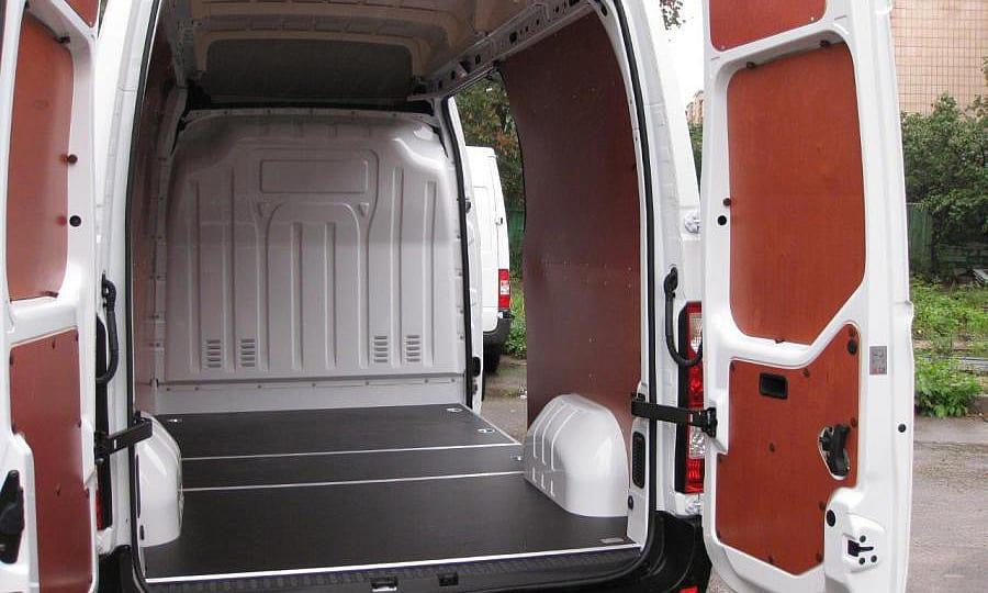 Обшивка фургона Renault Master L2H2: Пол, задние двери и стены
