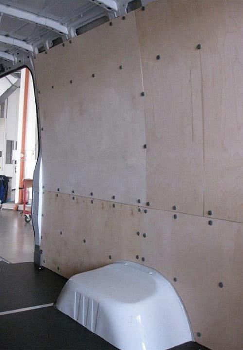 Обшивка фургона Mercedes-Benz Sprinter L4H2: Правая стена и пол