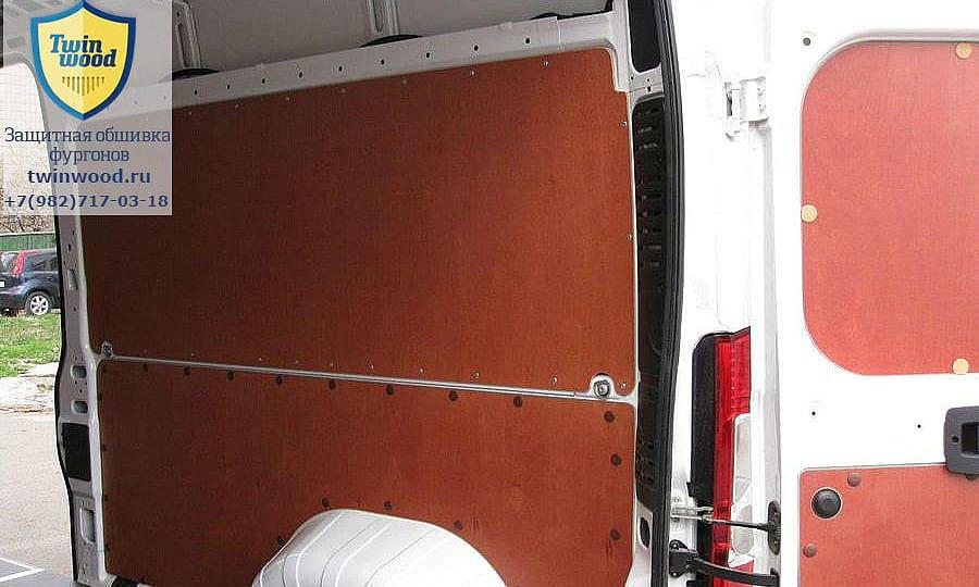 Обшивка фургона Citroen Jumper L3H3: Стена и задняя дверь