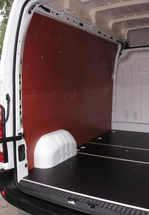 Обшивка фургона Renault Master L2H2: Стены и пол (левая сторона)