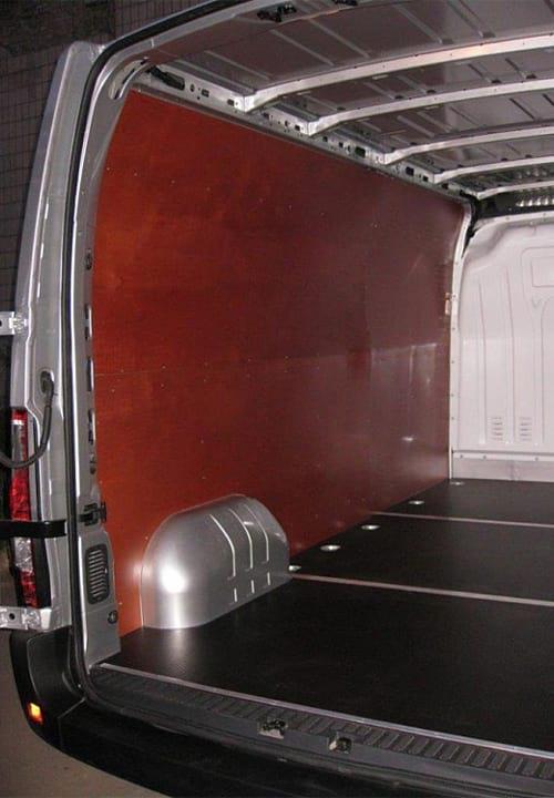 Обшивка фургона Renault Master L3H2: Стены и пол (левая сторона)