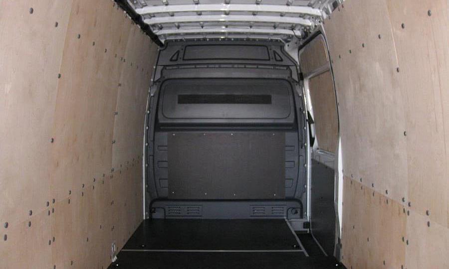 Обшивка фургона Mercedes-Benz Sprinter L4H2: Стены, пол и боковая дверь