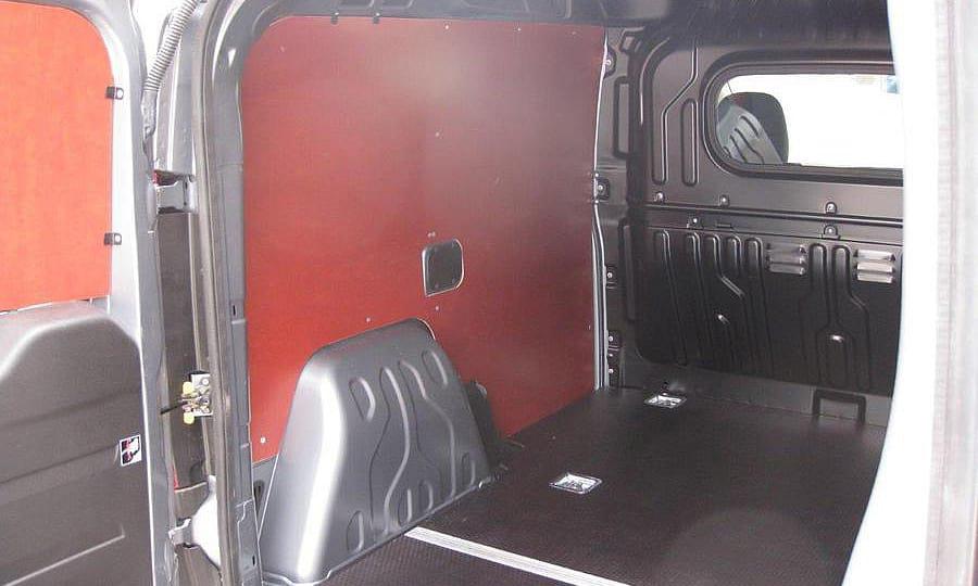 Обшивка фургона Fiat Doblo Cargo L1H1: Стены, пол и двери