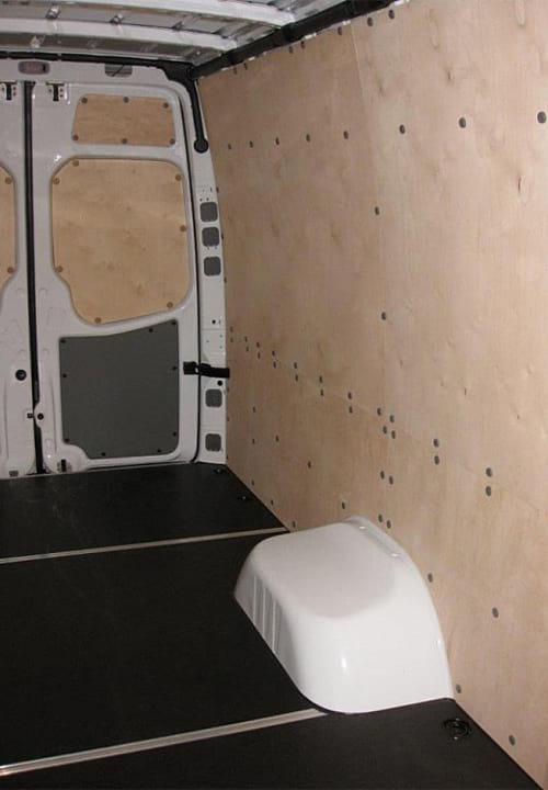 Обшивка фургона Mercedes-Benz Sprinter L4H2: Стены, задние двери и пол
