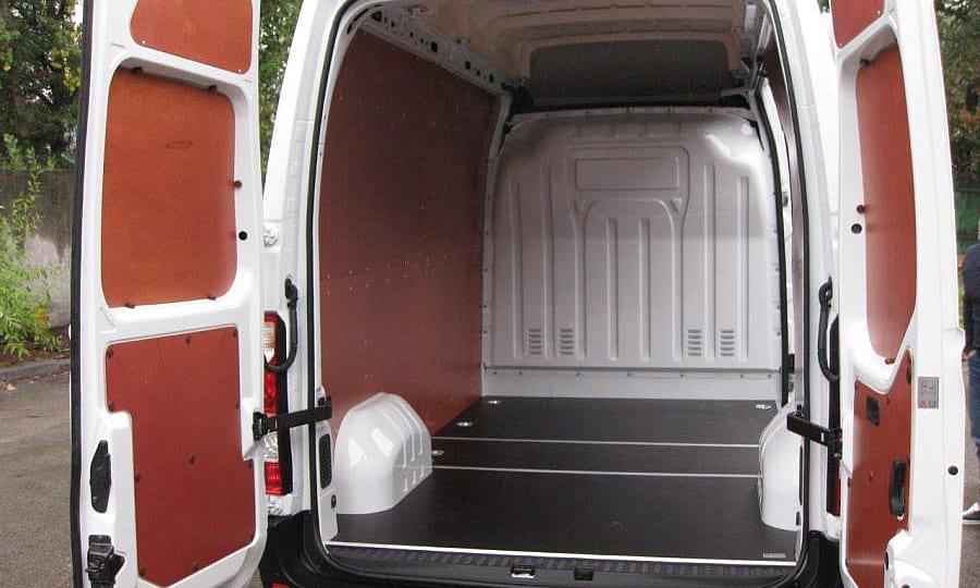 Обшивка фургона Renault Master L2H2: Стены, задние двери и пол