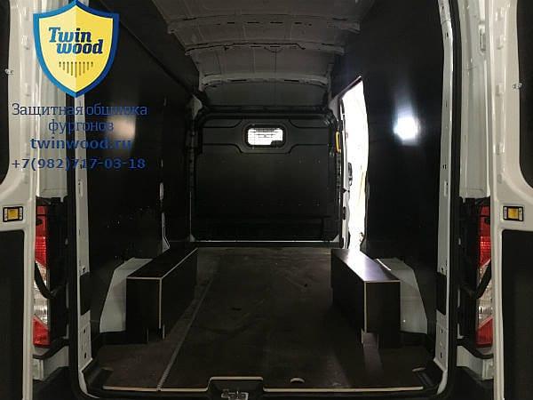 Установка обшивки колёсных арок в Форд Транзит