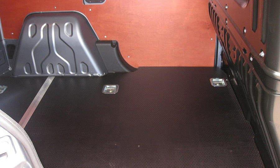Обшивка фургона Fiat Doblo Cargo L1H1: Вид со стороны боковой двери