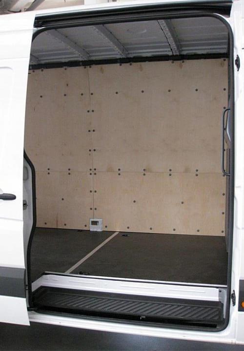 Обшивка фургона Mercedes-Benz Sprinter L4H2: Вид со стороны боковой двери