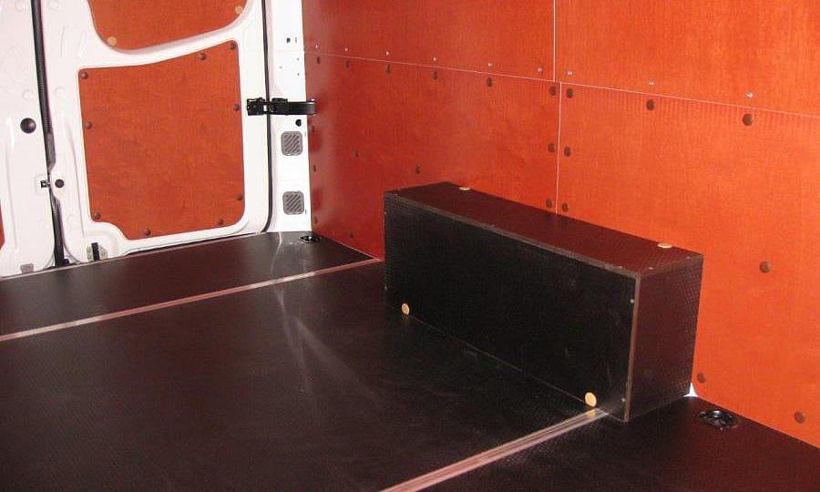 Volkswagen Crafter L3H2: Задние двери, стены, пол и арки