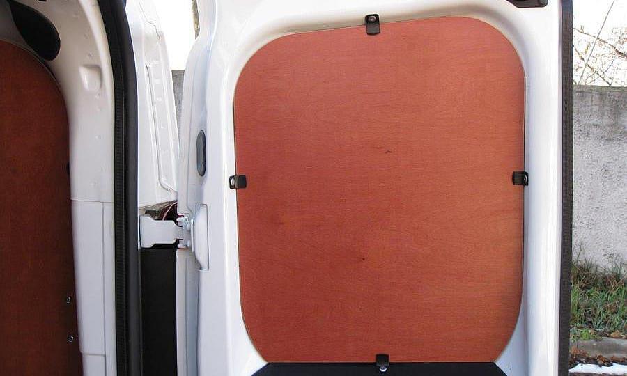 Обшивка фургона Fiat Doblo Cargo L1H1: Задняя дверь